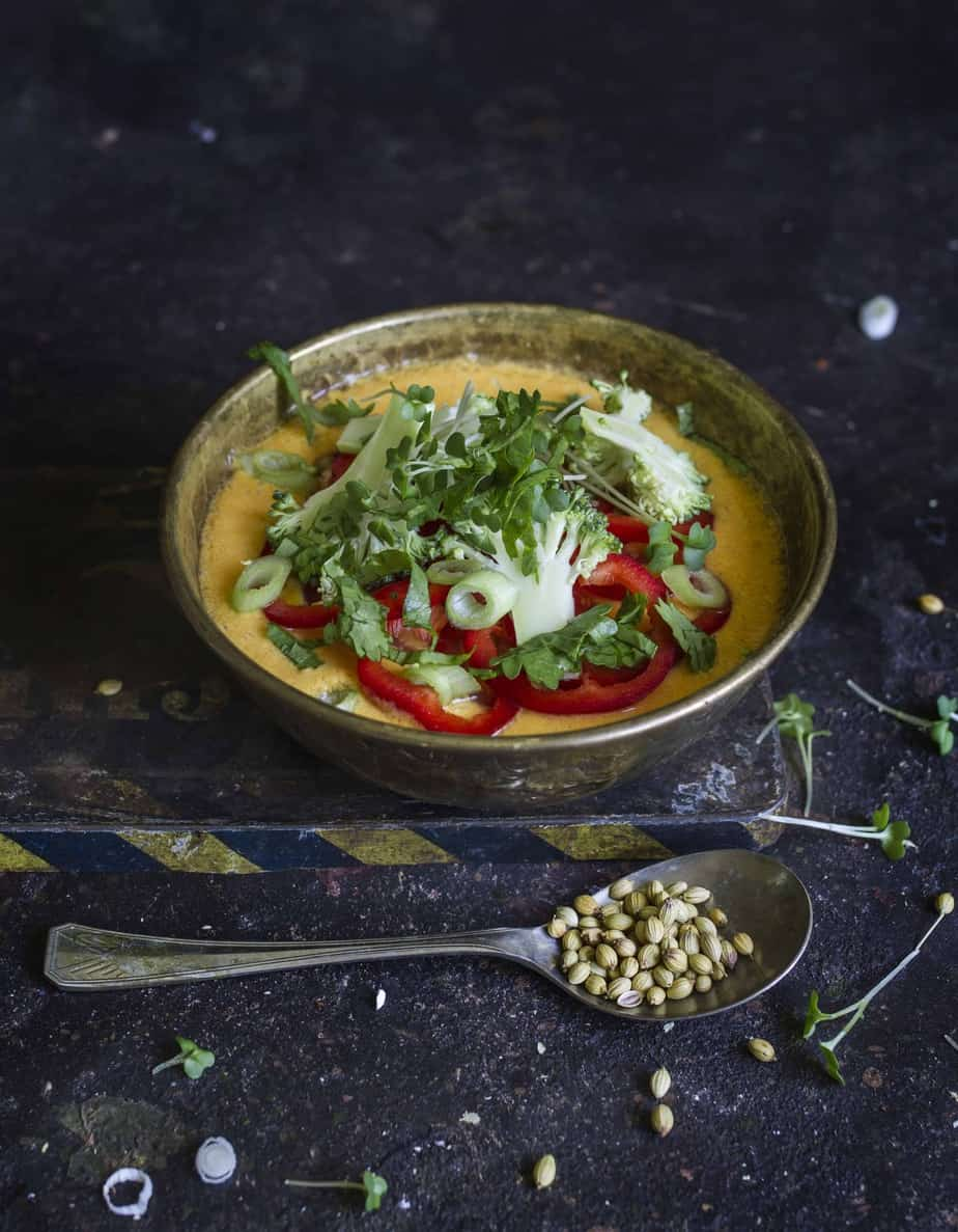 Raw yellow curry